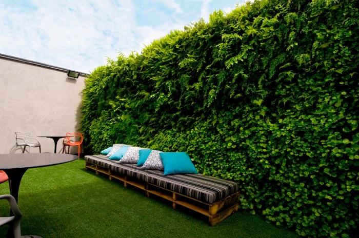 Jardim Vertical 1 - JARDIM VERTICAL: 15 Plantas Pra Sua Parede Verde!